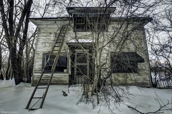 2015-04-29-1430269339-2637112-AbandonedHouses.jpg