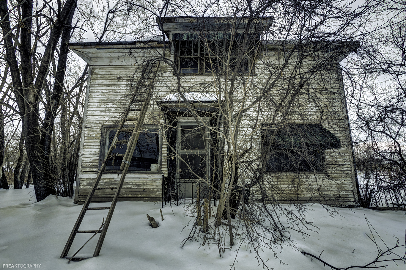 Photo Essay: 25 Abandoned Houses From Across Ontario