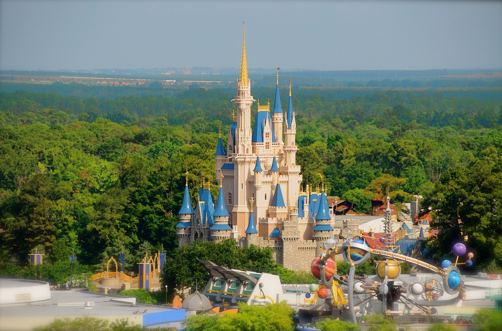 Skip The Crowds: Peak Days To Avoid Disney World (And When ...