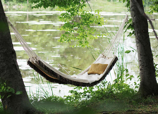 5 outdoor furniture designs you can make yourself huffpost for Diy canvas hammock