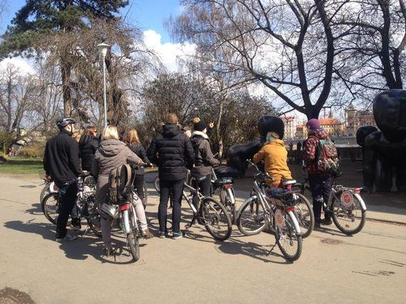 2015-05-05-1430827437-4968875-biketourpraha.jpg