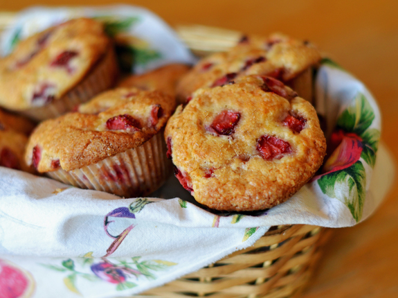 granola muffins strawberry rhubarb muffins florida strawberry muffins ...
