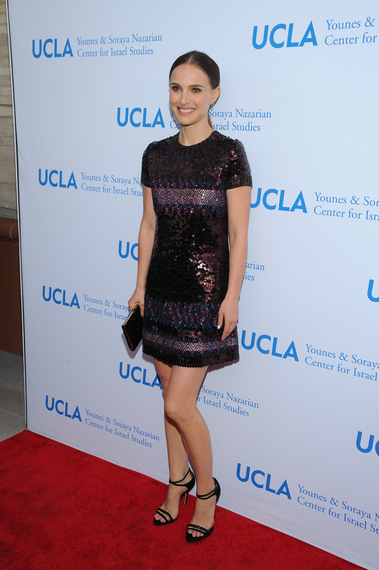 Images Natalie Portman Shines in Sequins at UCLA Nazarian Center 5th Anniversary Dinner 1 ucla