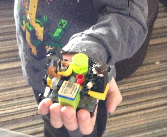 2015-05-08-1431123787-5707788-Legos.jpg