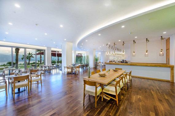 2015-05-12-1431419666-7652774-LifeCoAntalyaRestaurant.jpg