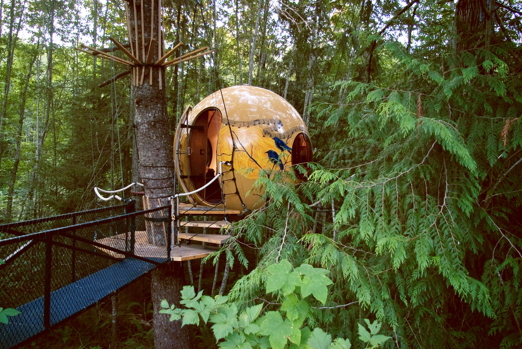 The World S Coolest Treehouse Hotels Huffpost