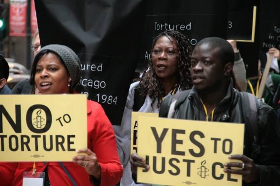 2015-05-14-1431624046-1337082-chicagotortureprotests.jpg