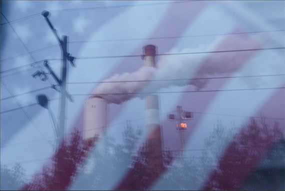The Cheswick coal-fired power plant in Springdale, PA. (Chris Jordan-Bloch / Earthjustice)