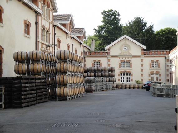 2015-05-21-1432227164-4450648-Champagne_Krug_courtyard.jpg