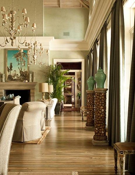 paula deen 39 s sprawling savannah mansion is for sale. Black Bedroom Furniture Sets. Home Design Ideas