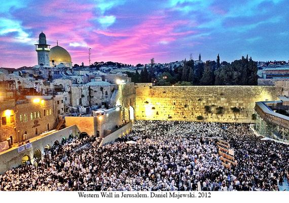 2015-05-27-1432685026-3544586-HP_1_Western_Wall_Jerusalem_Shavuot1.jpg