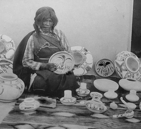 2015-05-27-1432762000-7600095-Nampeyo_Hopi_pottery_maker_seated_with_examples_of_her_work_cropped.jpg