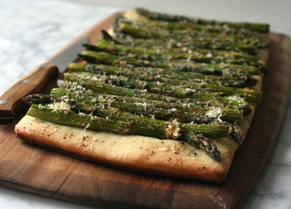 2015-05-28-1432831078-2675162-pizza_dough_asparagus_flatbread.jpg