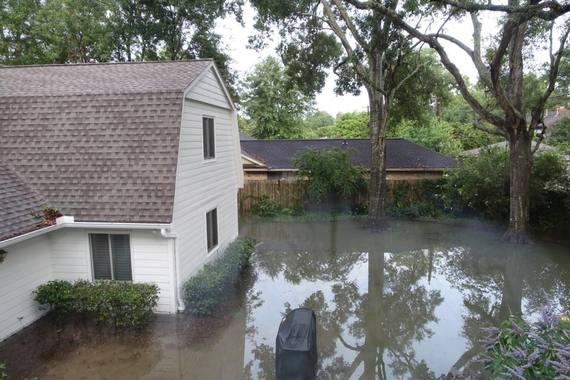 2015-05-28-1432849529-6928856-FloodBurgers.jpg