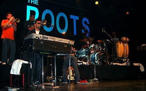 2015-05-29-1432940451-4430400-TheRoots.jpg