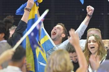 2015-06-01-1433173582-5577573-SwedenMansZelmerlowWinseurovision2015.jpg