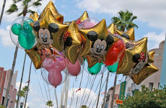 2015-06-02-1433270309-5947516-disneyworldballoons.jpg
