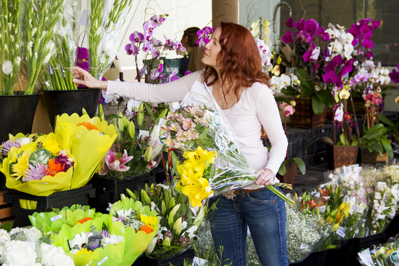 2015-06-02-1433277028-9350072-FlowersDylan.png