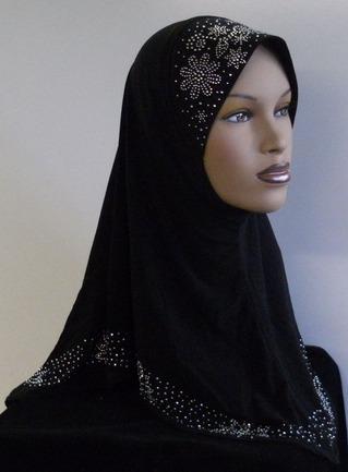 2015-06-02-1433282346-2085793-Amirah_style_Hijab.jpg
