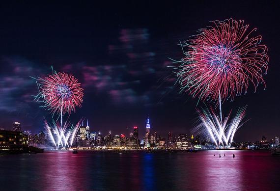 2015-06-04-1433428717-7239007-FourthofJulyNYC_800px.jpg