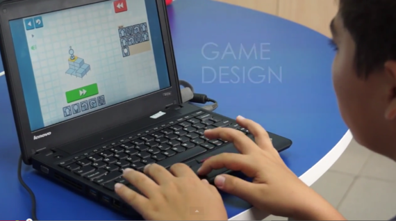 Vietnamese student learns game design. (Photo courtesy of Everest Education, Ho Chi Minh City)