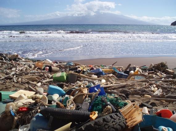 2015-06-05-1433526853-7716311-marine_debris_hawaii.jpg