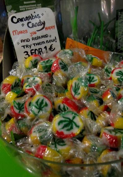 2015-06-09-1433859214-4034269-CannabisCandy_hemljuvahem.jpg