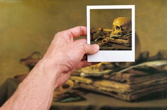 2015-06-09-1433884561-3809217-hand_skull.jpg