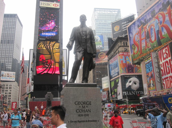 2015-06-10-1433945341-7334201-George_M._Cohan_statue_in_Times_Square_IMG_1607.JPG
