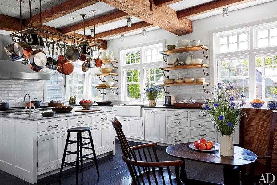 Inspiring Kitchens With Farmhouse Sinks