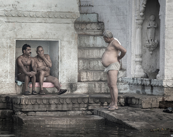 2015-06-10-1433948171-4891819-bathingintheganges.jpg