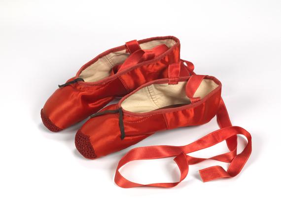 2015-06-10-1433963180-3152887-ShoesTheRedShoes.jpg