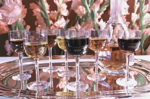 2015-06-11-1434039356-6527706-toastglassesonplatter_brides_HarryHartman_CNP.jpg
