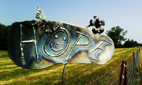 HOPE_on_fence_byVinArt.jpg