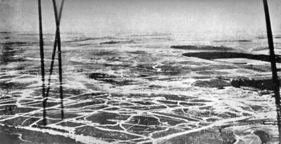 2015-06-14-1434298265-526902-Somme_battlefield_aerial_view_July_1916.jpg