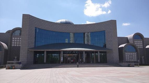 2015-06-15-1434345240-5936922-XinjiangRegionalMuseum.jpg