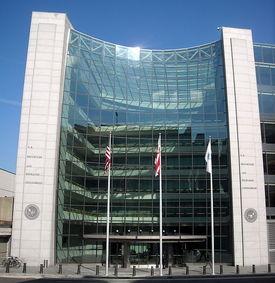 2015-06-15-1434381731-2589709-SECbldgRoyaltyfreeU.S._Securities_and_Exchange_Commission_hq.JPG