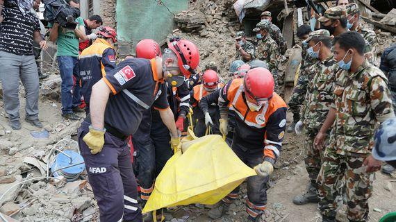 2015-06-15-1434383171-983174-2015_Nepal_depremi_3.jpg