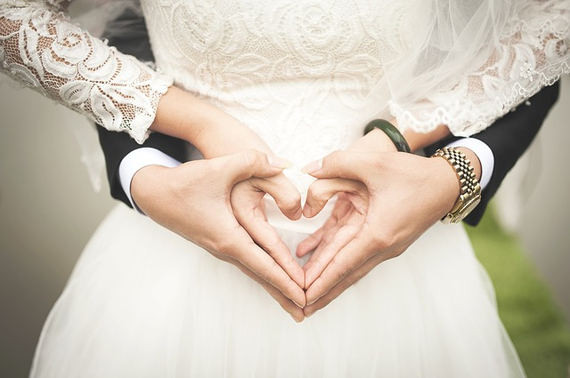 2015-06-16-1434419630-6076345-wedding5.jpg
