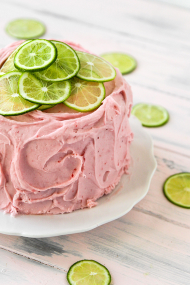 2015-06-16-1434424323-2257347-StrawberryLimeadeCakePic.jpg