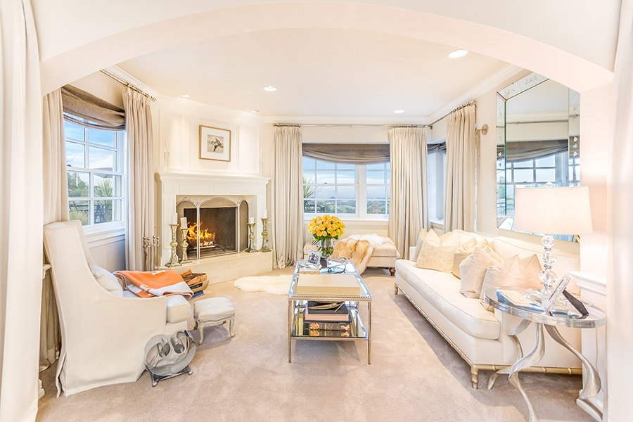 Tour jennifer lopez 39 s glamorous california estate huffpost - Maison de jennifer lopez ...