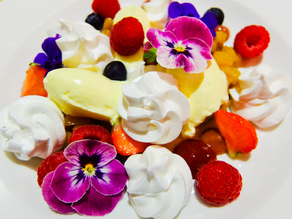 2015-06-16-1434471808-4028413-rhubarbpavlova.jpg