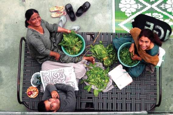 2015-06-17-1434501552-3904963-india_rooftop_dinner.jpg