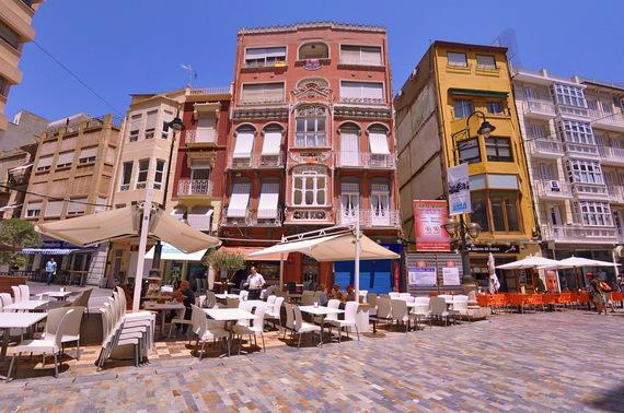 2015-06-17-1434551135-604706-CartagenaMarketsandStreets.jpg