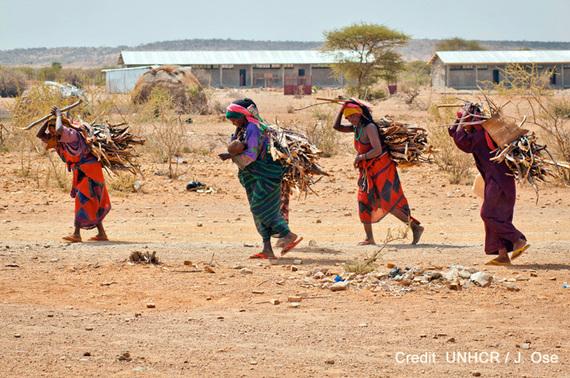 2015-06-19-1434727069-9530623-HPWomencarryingfirewoodcUNHCRJ.OseEthiopia2012_WCREDIT.jpg