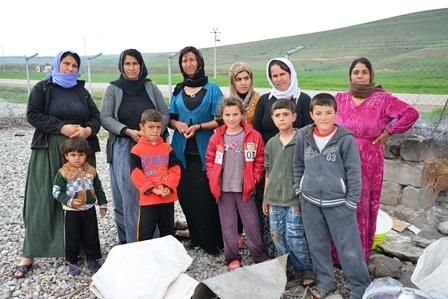 2015-06-20-1434758687-1132884-Syriagroup.jpg