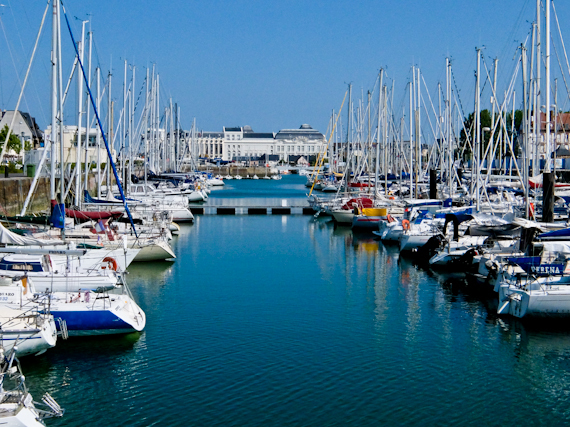 2015-06-20-1434813425-390971-DeauvilleBoats.jpg