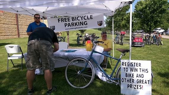 2015-06-22-1434953126-3433371-bicycleparkinglot.jpg