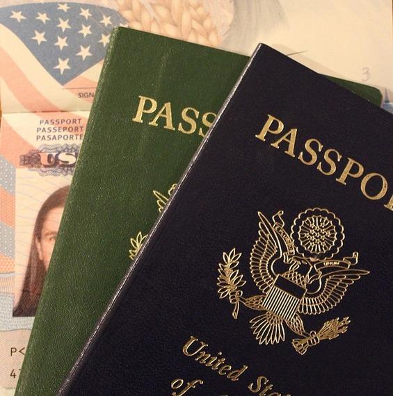 2015-06-22-1434980977-2278254-passport315266_640.jpg
