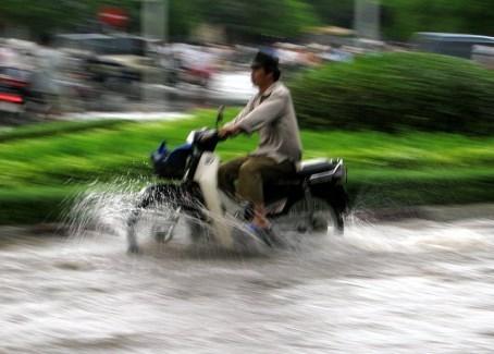2015-06-22-1434990052-6572959-floods.jpg